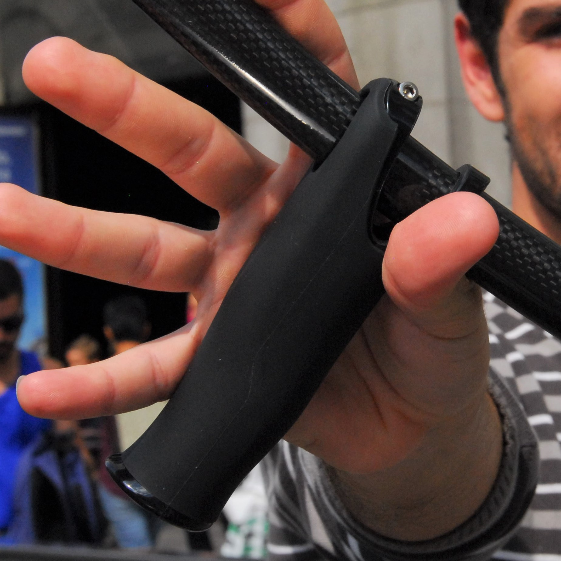 ergonomic soft handgrip for canes and crutches