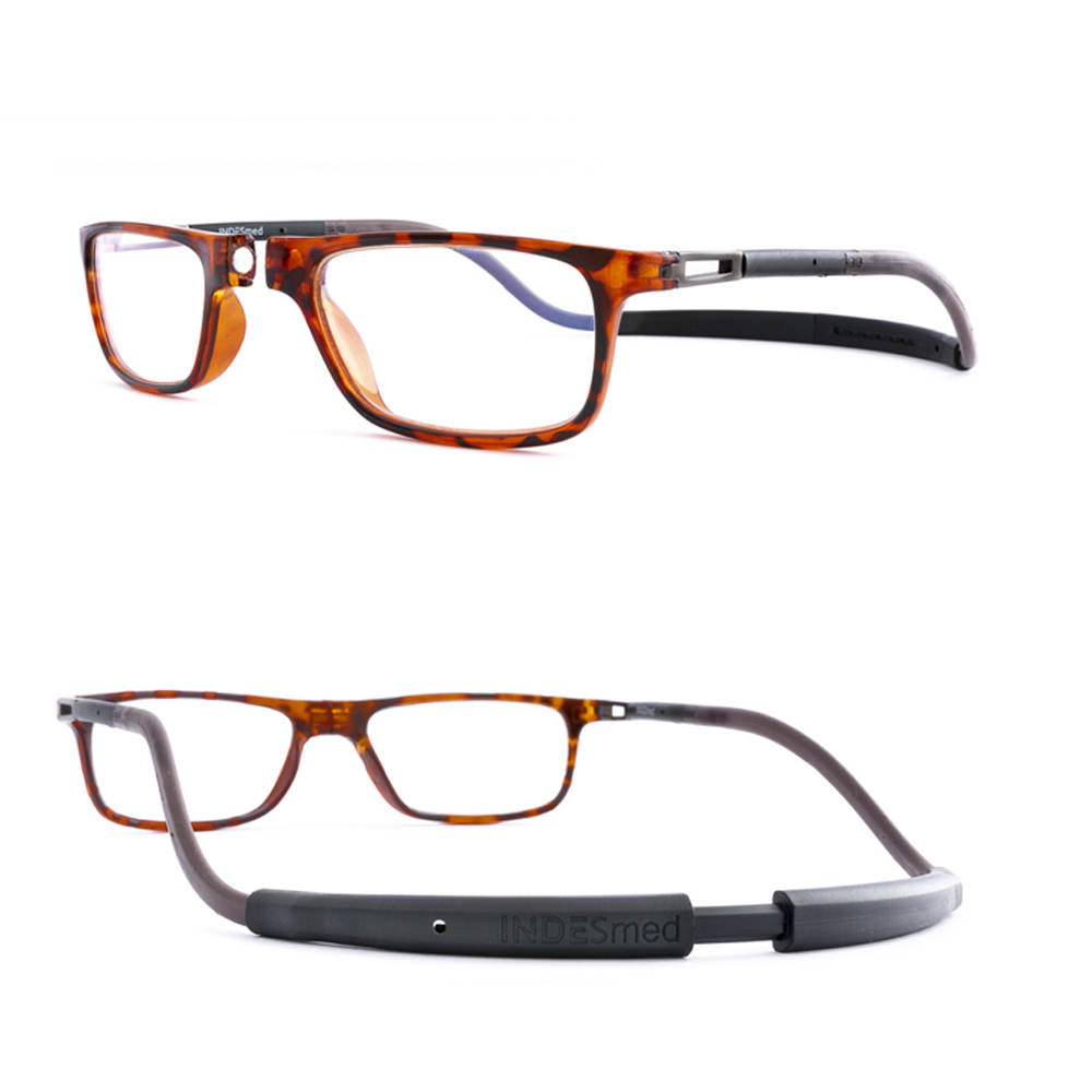 Reading glasses for men in brown